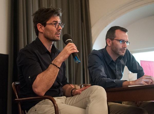Šéfredaktor Forbesu Petr Šimůnek (vlevo) s šéfredaktorem Médiáře Ondřejem Austem. Foto: Martina Votrubová