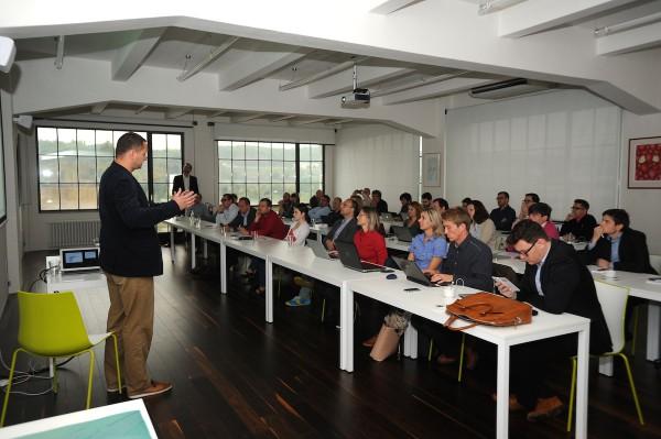 Daniel Grunt přednáší. Foto: Martin Kabát