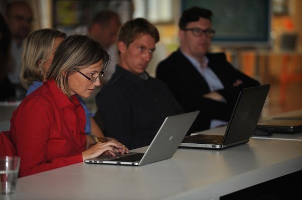 Kolegové novináři: Martina Vojtěchovská z Mediaguru.cz a Jan Patera z MarketingSalesMedia. Foto: Martin Kabát