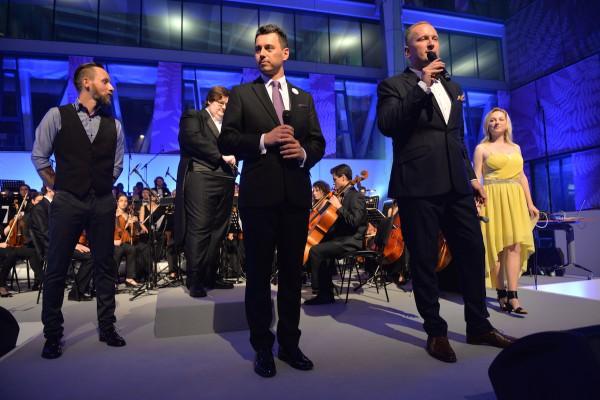 Přítomné uvítali partneři David Šimoník a Petr Stuchlík, tedy šéf rádií a jejich investor