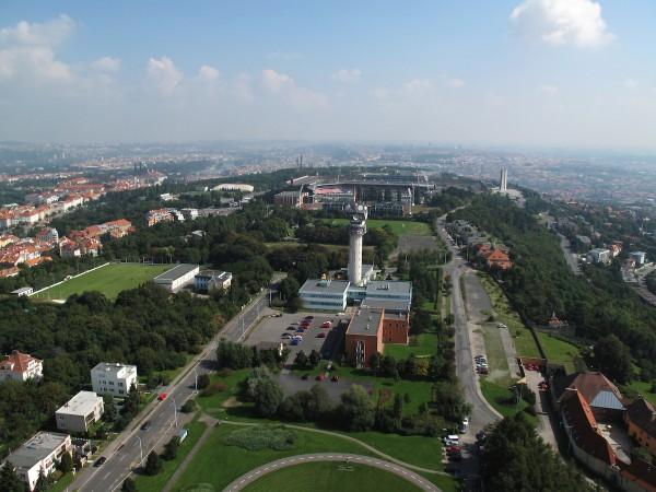 Letecký pohled na věž u Ladronky. Foto: České Radiokomunikace