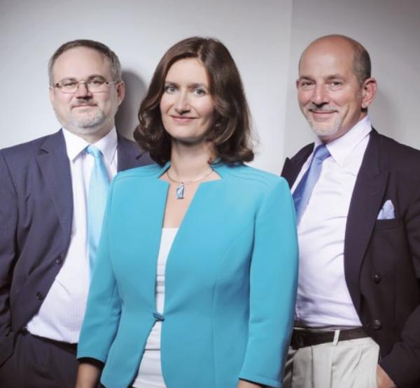 Členové představenstva Mediaresearch (zleva) Michal Jordan, Tereza Šimečková a Iain Nils Hessey Rügheimer. Zdroj: výroční zpráva firmy