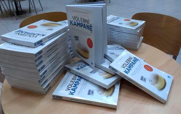 Kniha Volební kampaně. Foto: Institut politického marketingu