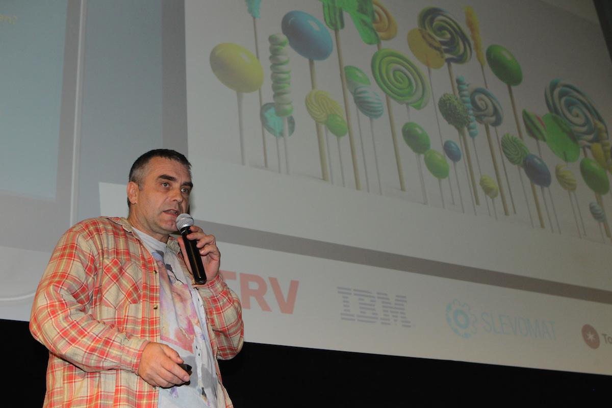 Přišel opět také Pavel Lahoda, tentokrát s vlastní verzí Zpráv/Messages. Foto: Tomáš Pánek