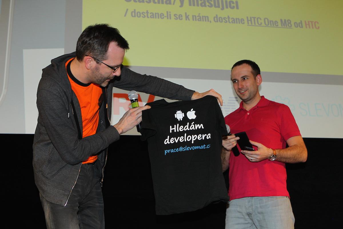 Slevomat nabídl slušivé dámské tričko. Foto: Tomáš Pánek