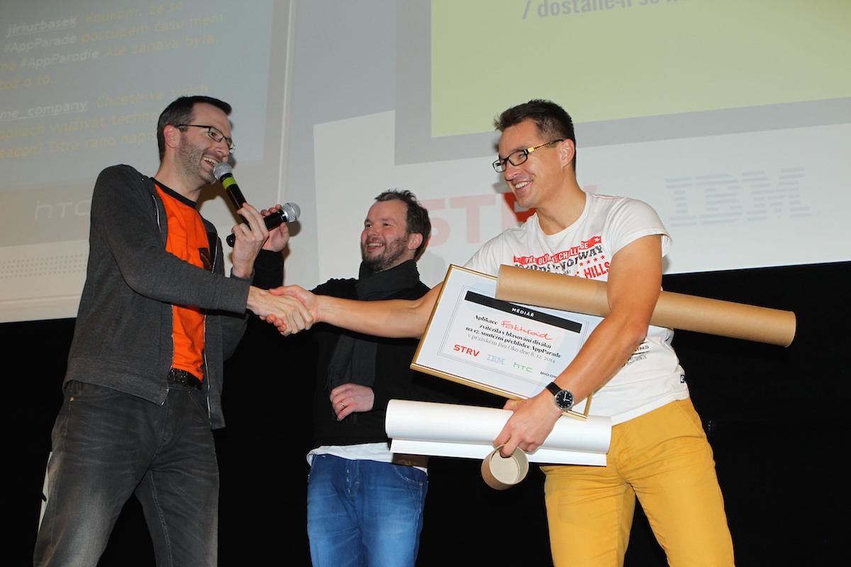 Martin Plpitel pijm gratulace a ceny za vtzn Fakturoid Foto Tom Pnek