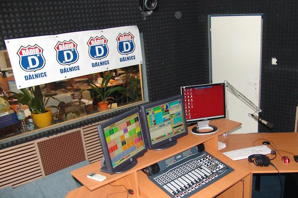Pařízkovo Rádio Dálnice dostalo 36 kmitočtů
