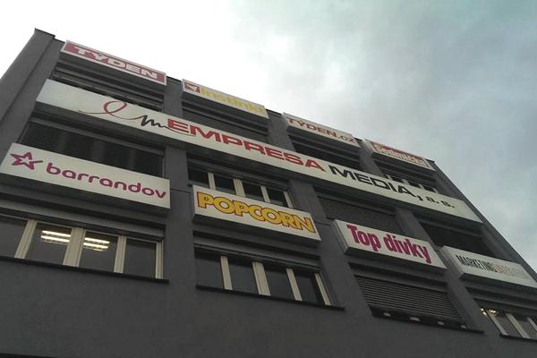 Budova Empresa Media v pražském Brániku