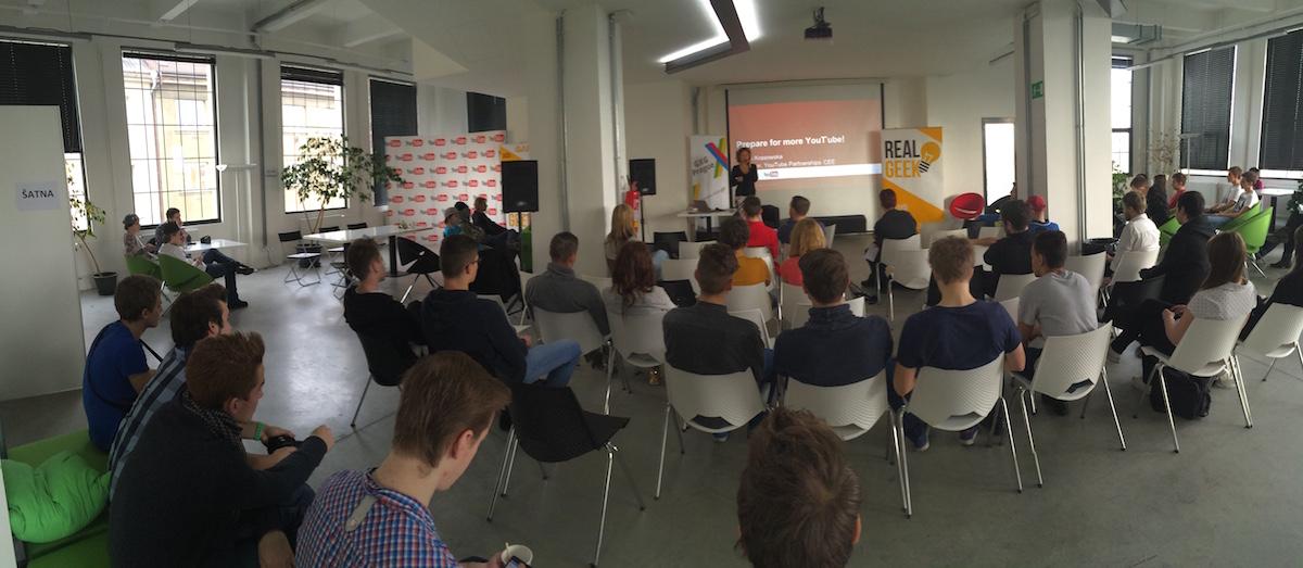Setkání youtuberů v pražském TechSquare