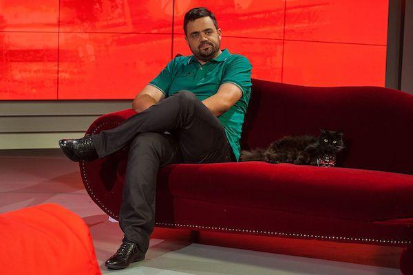 Pavel Novotný jako moderátor Prásku. Foto: TV Nova