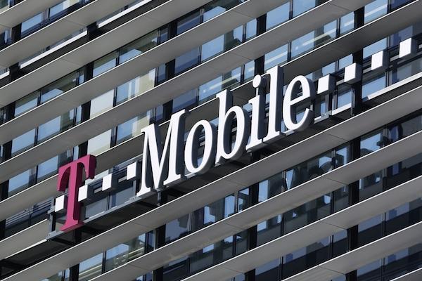 MediaCom obhájil nákup médií pro T-Mobile