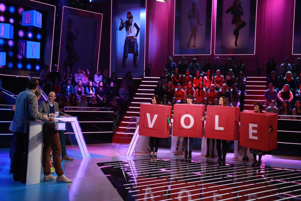 Ženy soutěží ve skládání slov. Foto: TV Prima