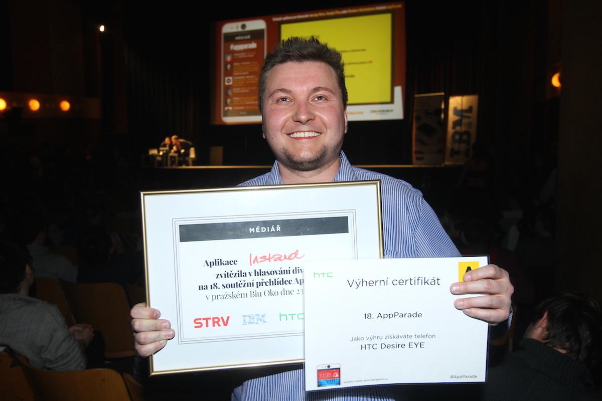 Vítěz osmnácté AppParade Lukáš Jezný s trofejemi. Foto: Tomáš Pánek