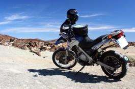 Průvodce nabízí motorkářům tipy z tras v Evropě či offline navigaci