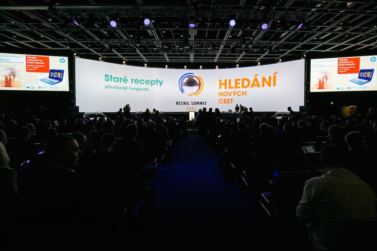 Retail Summit letos hledal nové cesty. Foto z úterního úvodu akce, v pražském hotelu Clarion
