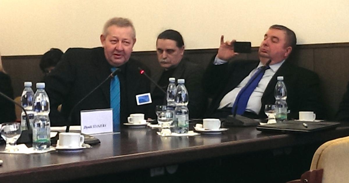 Organizátor petice Lubomír Španěl na volebním výboru 24. února 2015