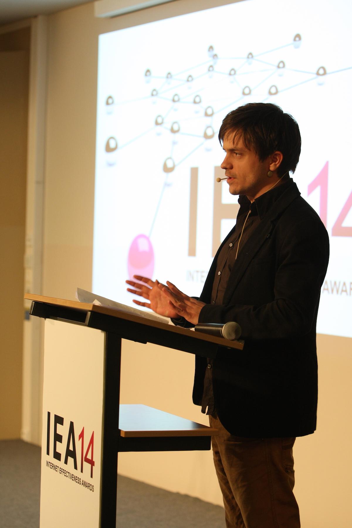 Herec Jiří Mádl jako moderátor. Foto: Martin Borovička