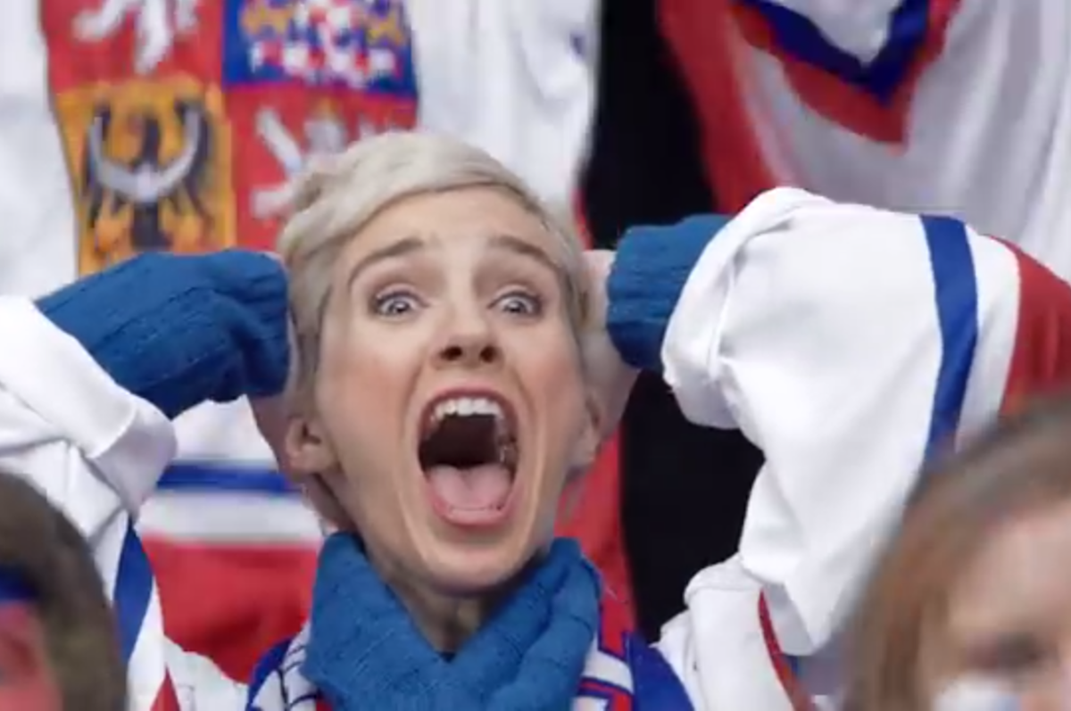 V pátek vypukne hokejové šílenství v arénách. V reklamě už vypuklo