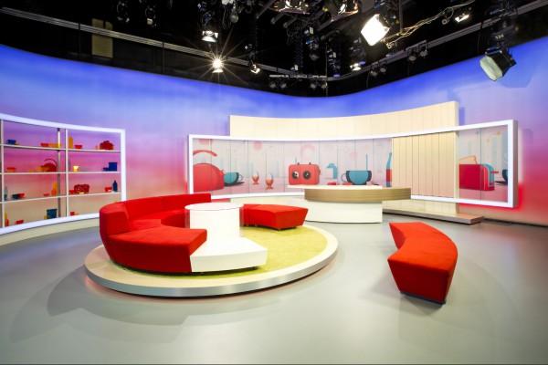 Snídaně s Novou má nové studio, ve stylu Sutnara
