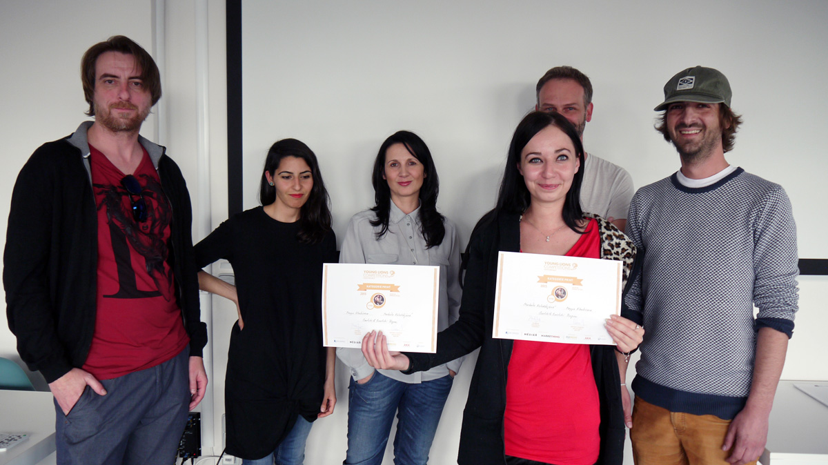Vítězka s porotou v čele s Terezou Svěrákovou. Foto: Jan Marcinek, Flemedia