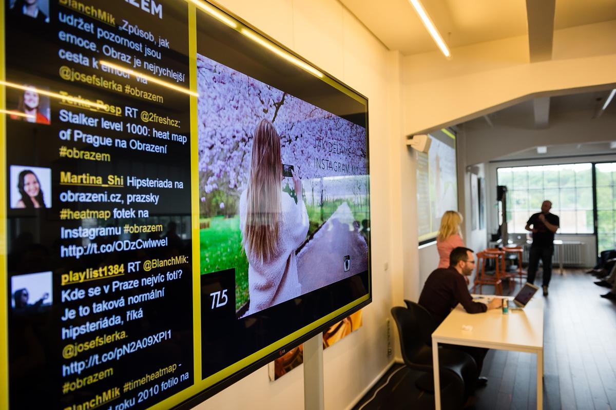 Dění glosovali účastníci rovnou na Twitteru