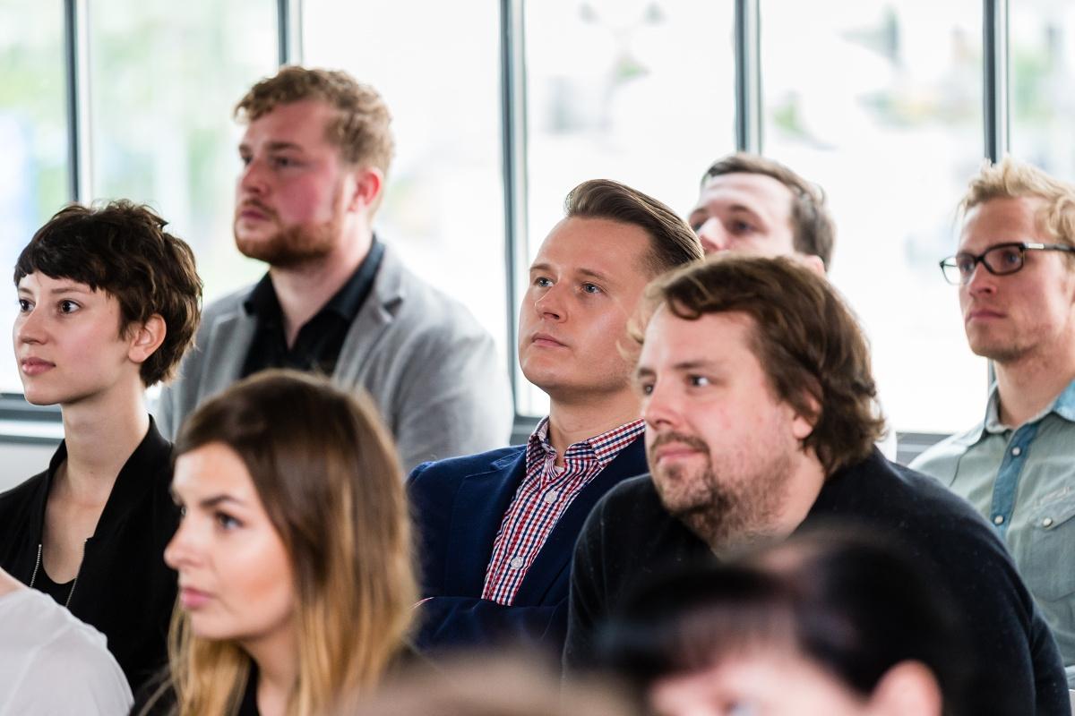 Svou kolegyni si přišel poslechnout Vítězslav Pelc z marketingu Škody Auto
