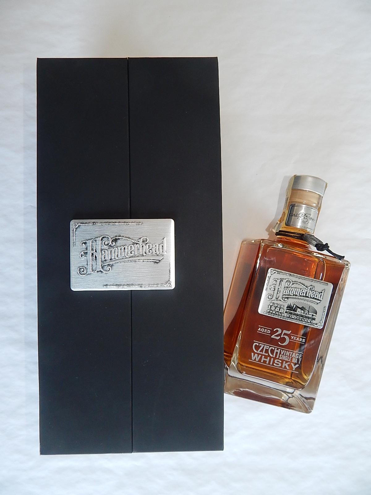 Dárkové balení whisky přihlásila firma Reda a získala první místo za reklamní obal