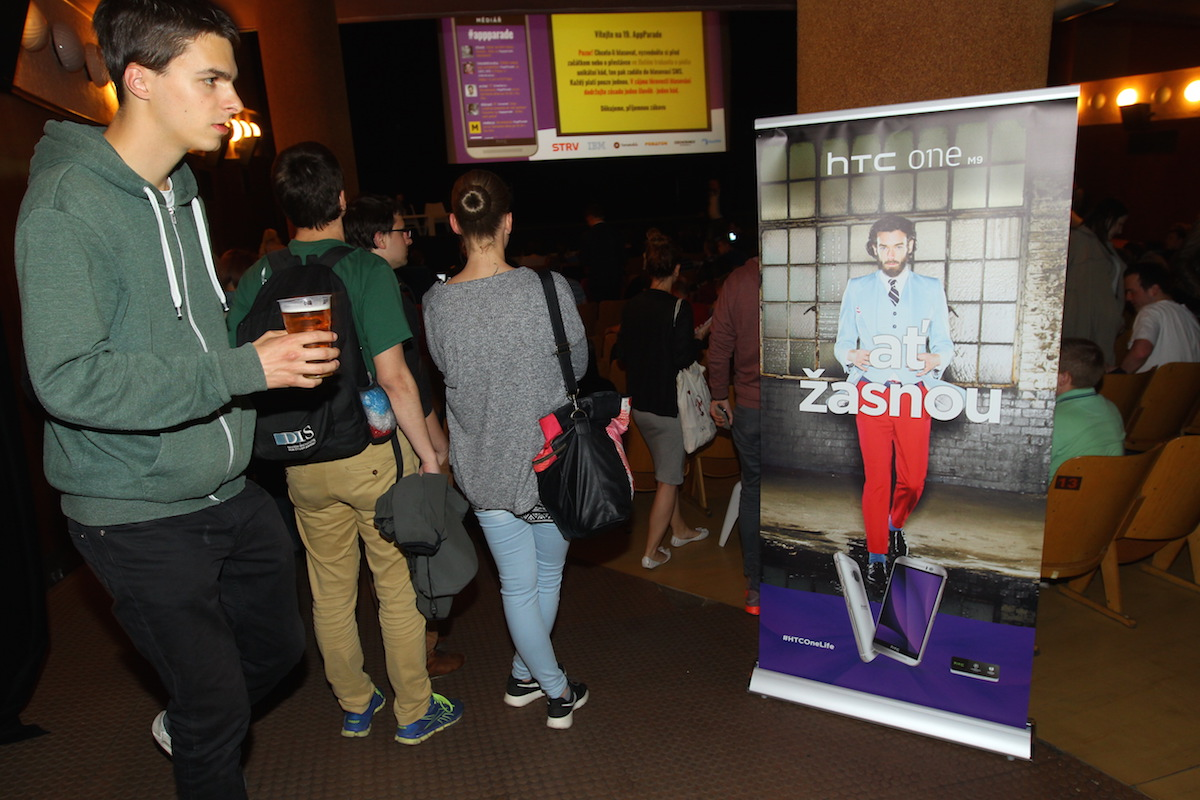 Devatenáctá AppParade opět proběhla v pražském kině Oko