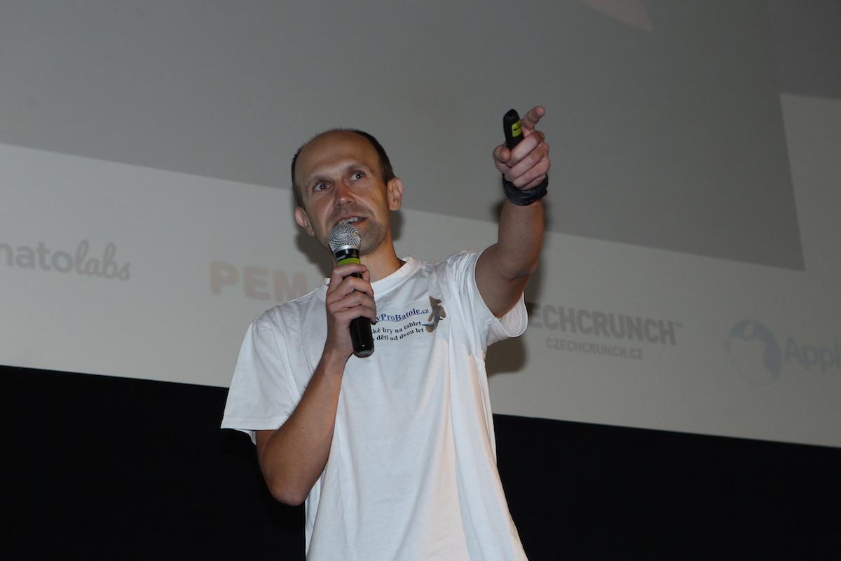 Jan Škach tentokrát v rámci Her pro batole stvořil Zvukové pexeso