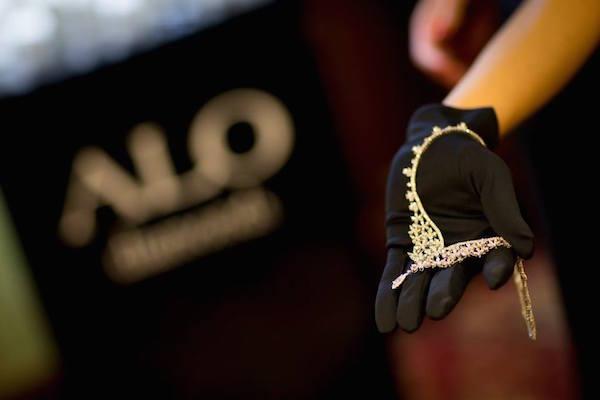 Klenotnictví Alo Diamonds kupuje rodinné šperkařství Halada