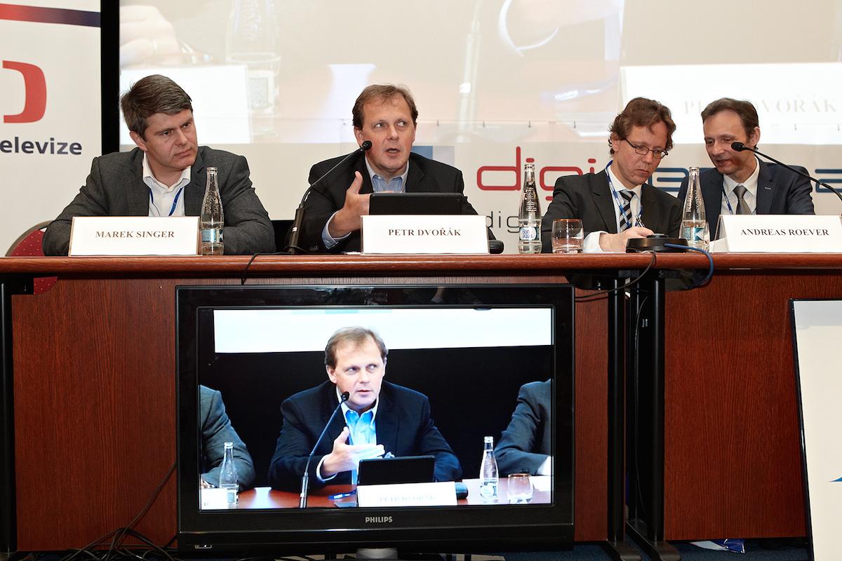 Marek Singer, Petr Dvořák a zástupce struktur Evropské unie na konferenci Digimedia. Foto: Jiří Matula