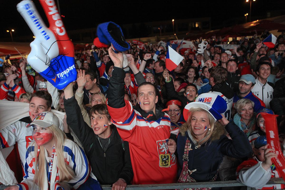 Čeští hokejoví fanoušci. Foto: Jan Langer, Česká televize