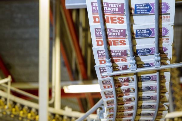 U novin a časopisů se sníží DPH z 15 na 10 %