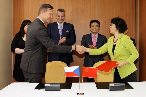 V Emprese a Médee za Číňany figuruje Tvrdík