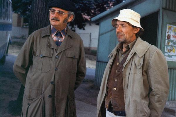 Josef Sovák a Josef Kemr v seriálu Chalupáři. Foto: Česká televize