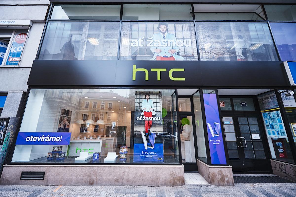 HTC otevřela v červnu v praze svou značkovou prodejnu a současně HTC Hub