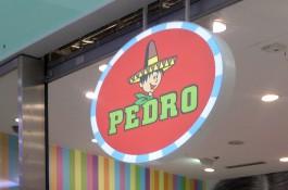 Žvýkačka Pedro obsadila retro prodejnu v Praze