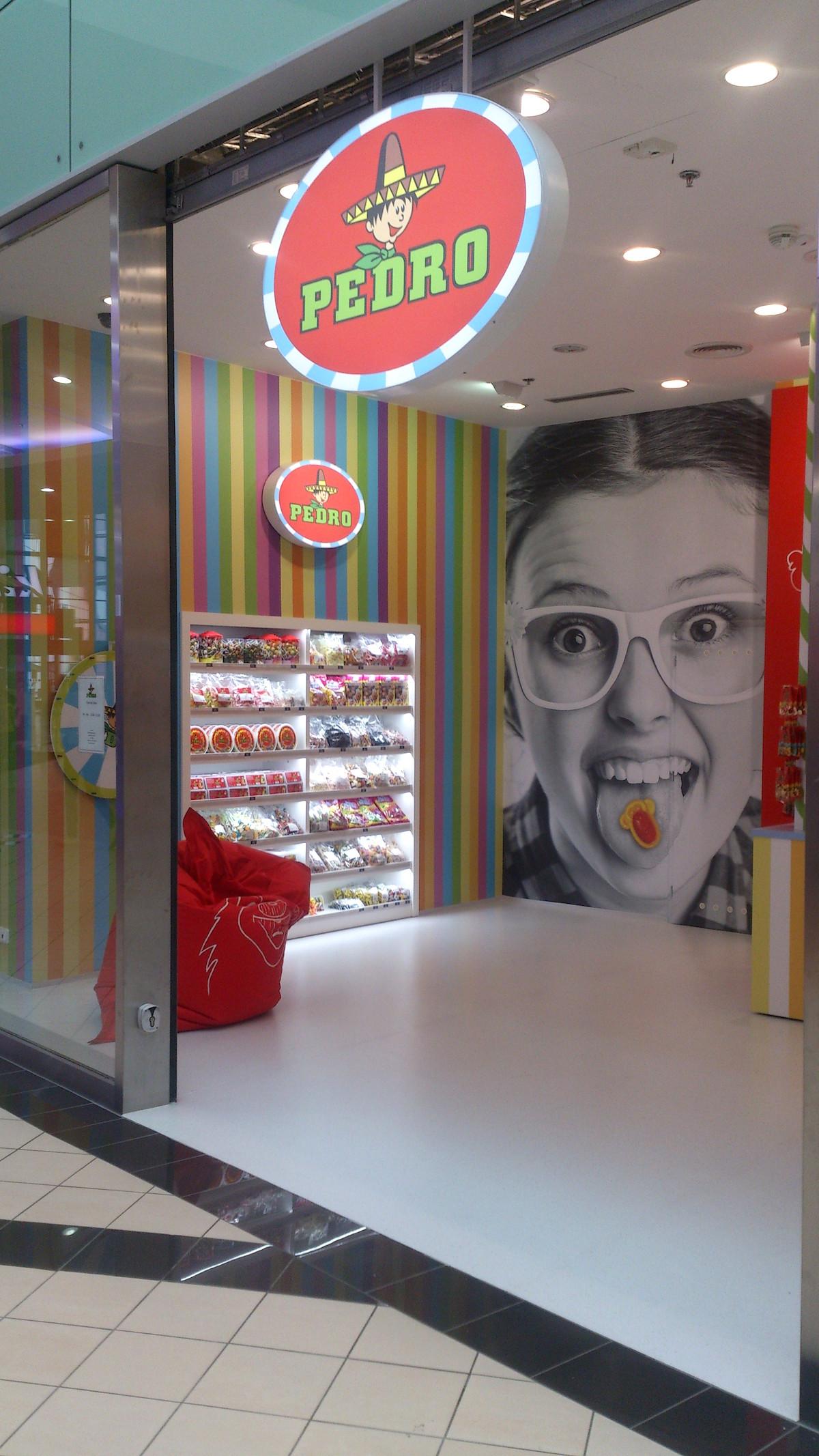 Prodejna značky Pedro v pražských Letňanech