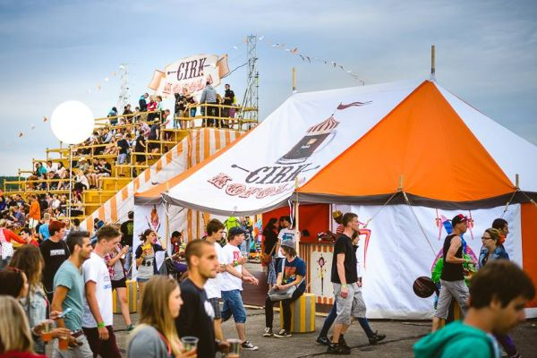 Cirk Kofola na festivalu