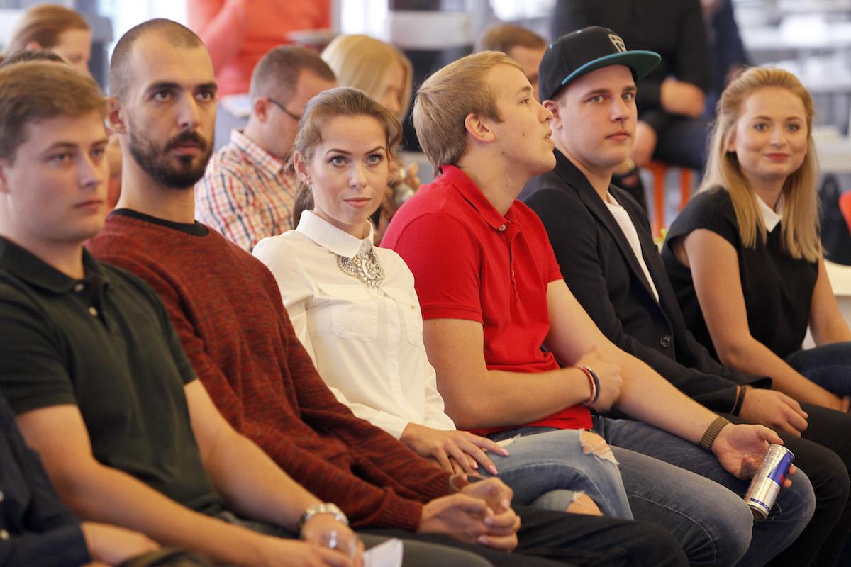 Vlevo David Růžička a Tomáš Gavlas z agentury Get Boost, vpravo youtubeři. Foto: Jiří Koťátko