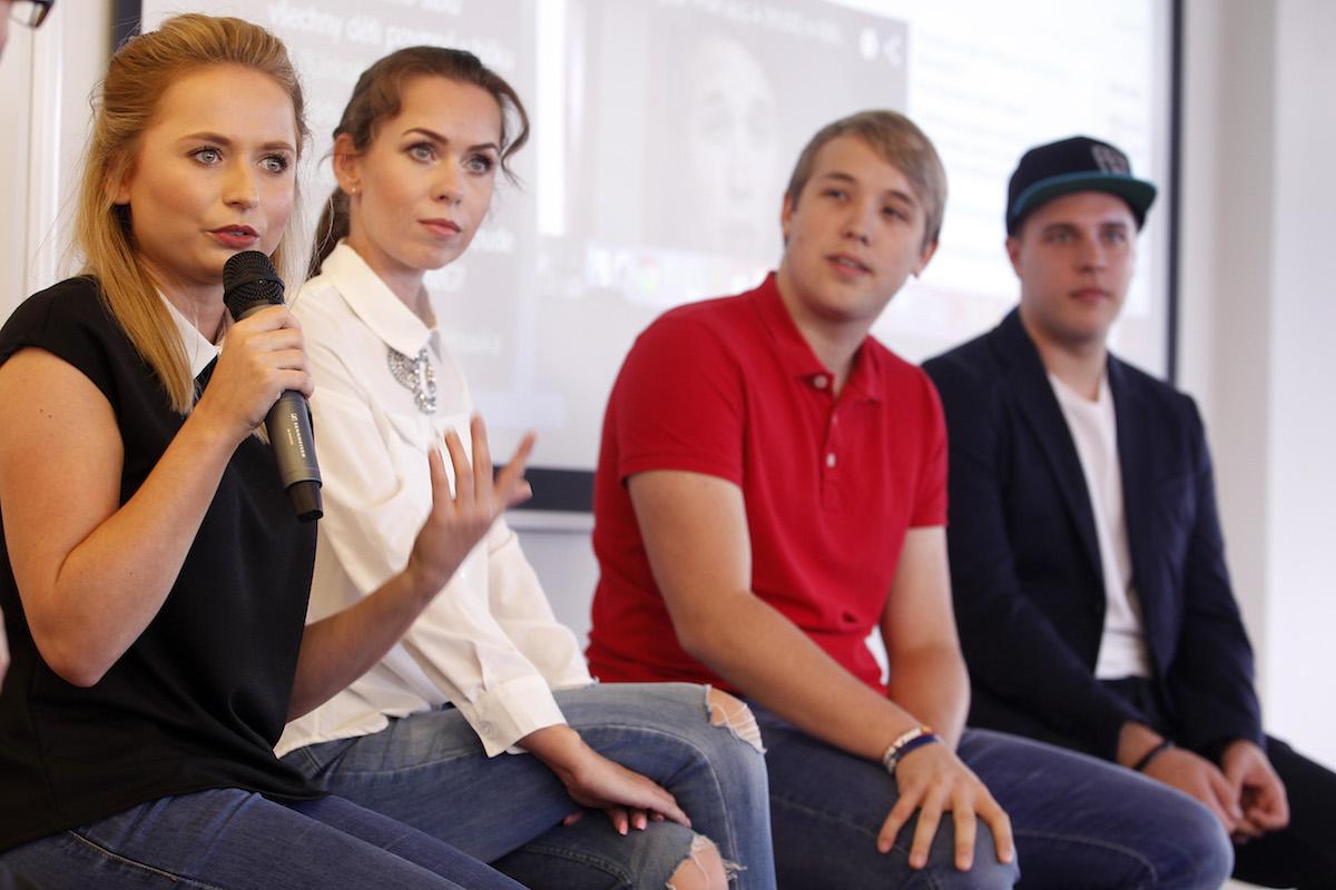 Diskuse s youtubery: zleva Nikola Čechová, Petra Vančurová, Jakub Steklý, Jiří Král. Foto: Jiří Koťátko