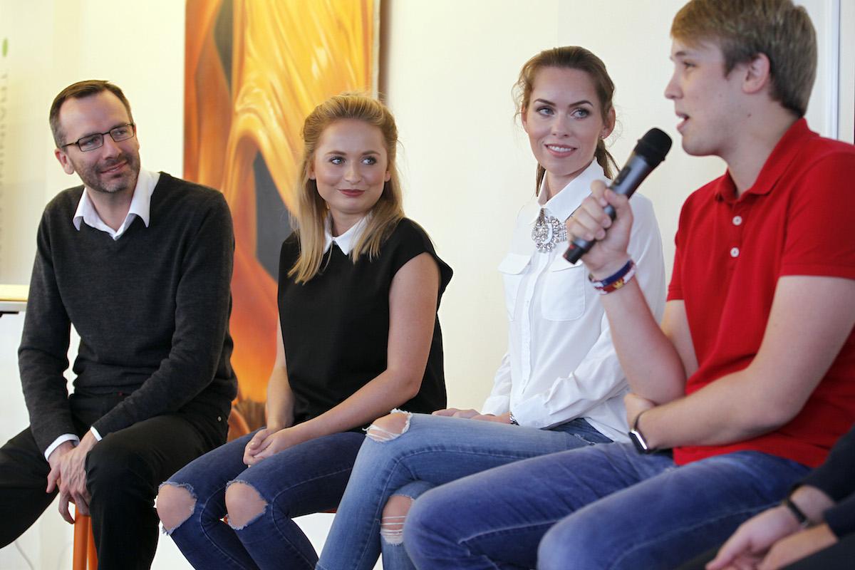 Diskuse s youtubery: zprava Jiří Král, Petra Vančurová, Nikola Čechová. Foto: Jiří Koťátko