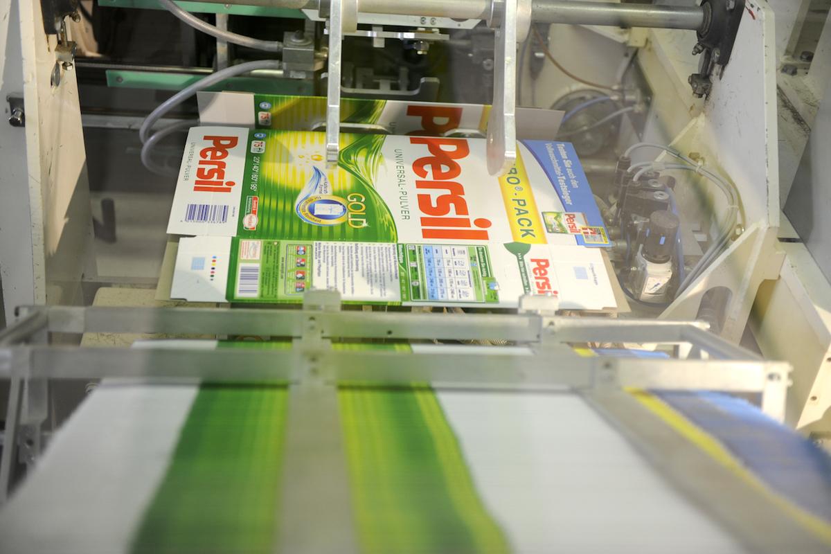 Mezi produkty Henkelu patří také prací prášek Persil. Foto: Profimedia.cz