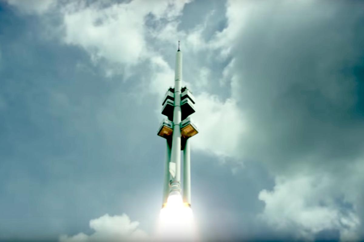 Žižkovská věž letí ke hvězdám v kampani Škodovky