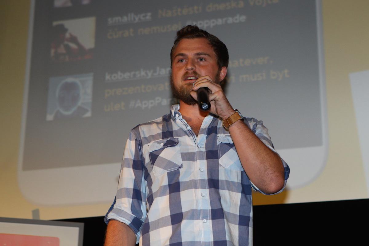 Lukáš Hykl prezentuje aplikaci Svítíš