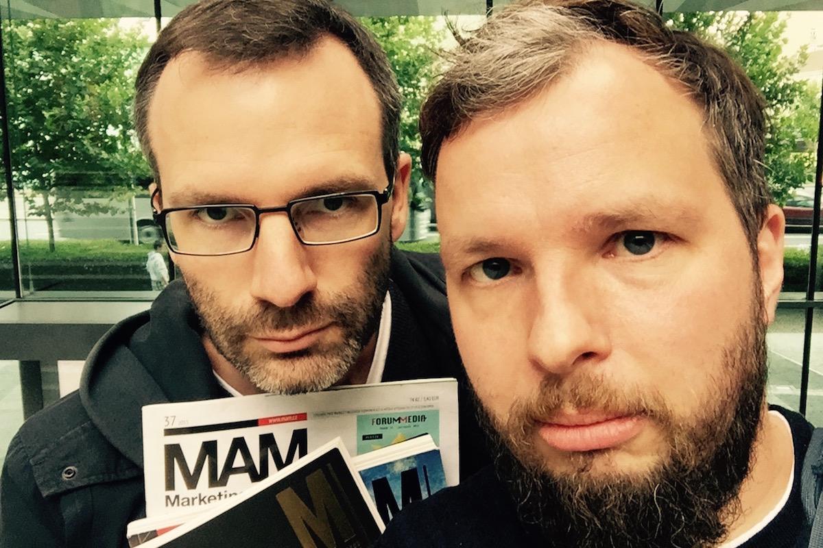 Aust a Prchal s časopisy od M