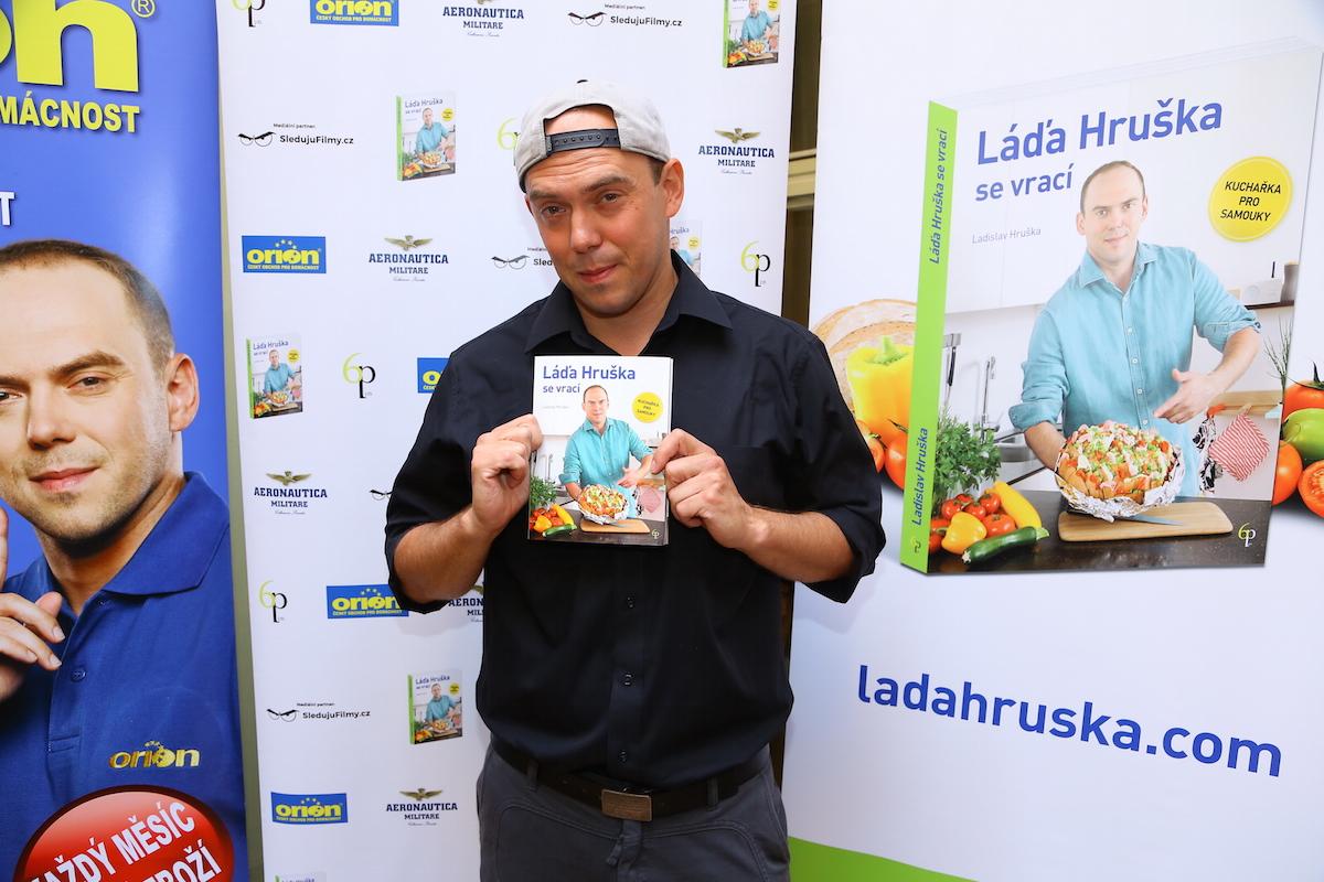 Láďa Hruška se svou druhou kuchařkou