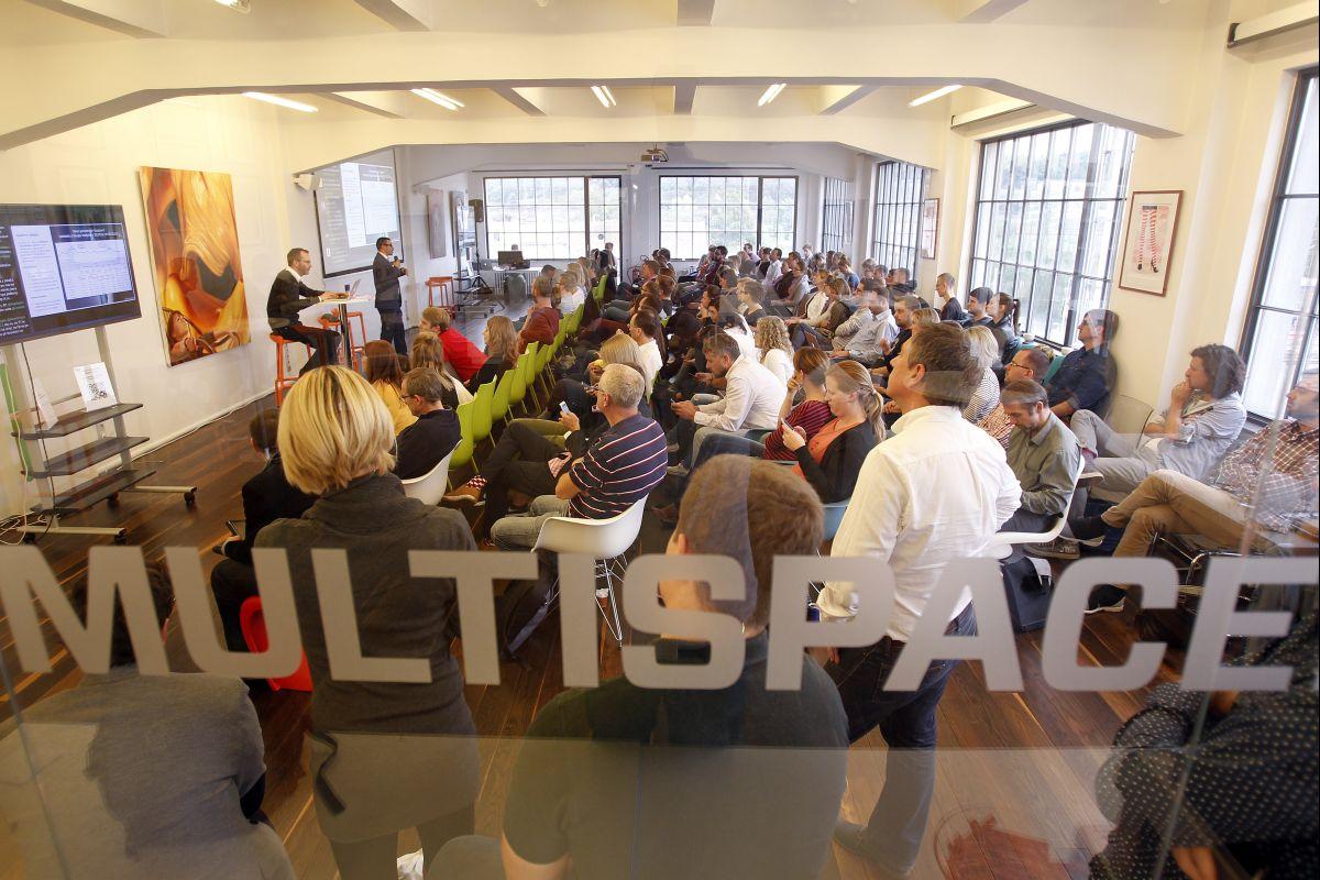 Mikrokonference Videomarketing 2015 přivítala v pátek 11. září v našem Global Centru sto dvacet účastníků. Foto: Jiří Koťátko