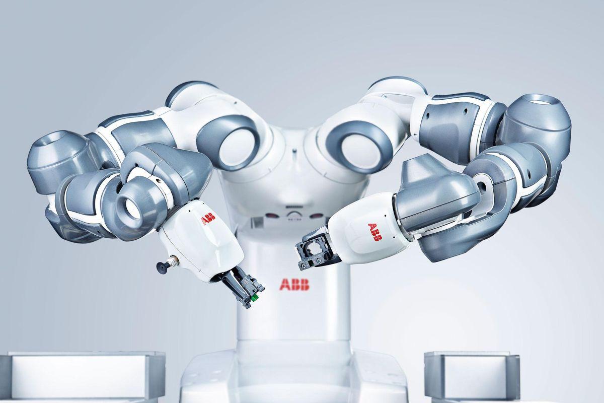 Jedním ze symbolů firmy je robot YuMi