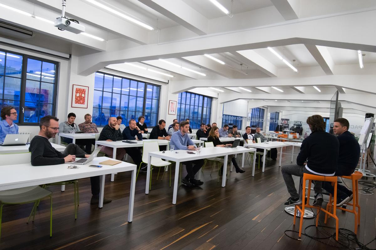 Třetí AppParade Meet na téma chytrý hardware proběhla v Global Centru, sídle Médiáře. Foto Martina Votrubová